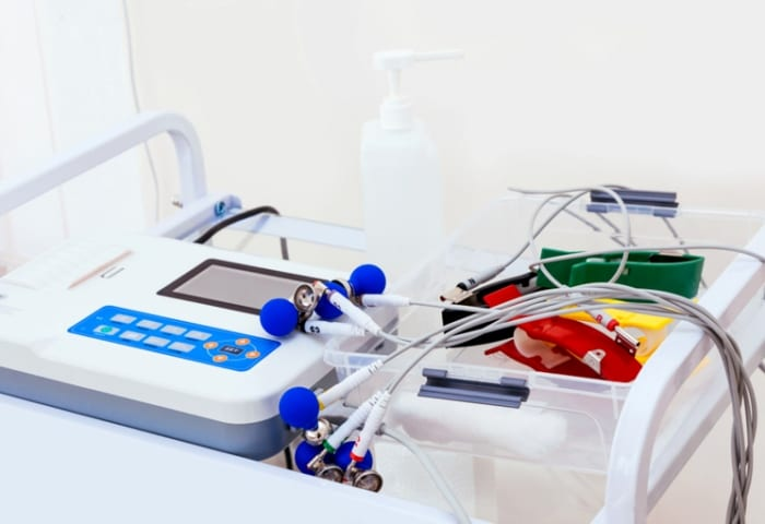 O que é um aparelho de eletrocardiograma ideal?