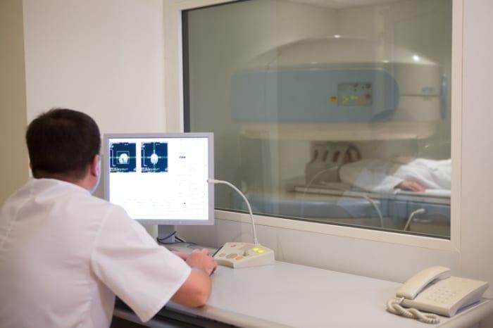 Vantagens da telemedicina na interpretação da densitometria óssea