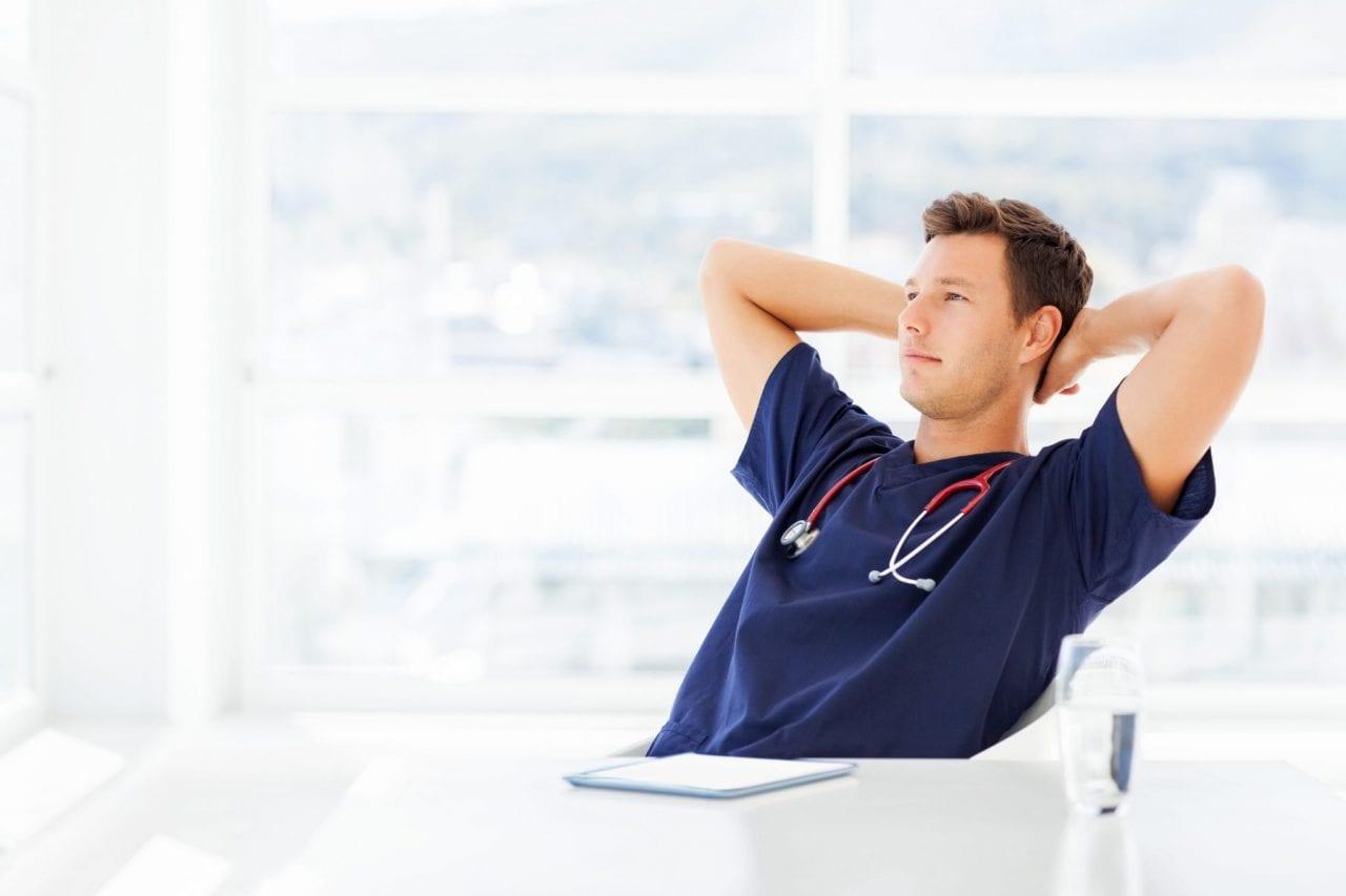 Gerir sua própria clínica de saúde e reduzir gastos