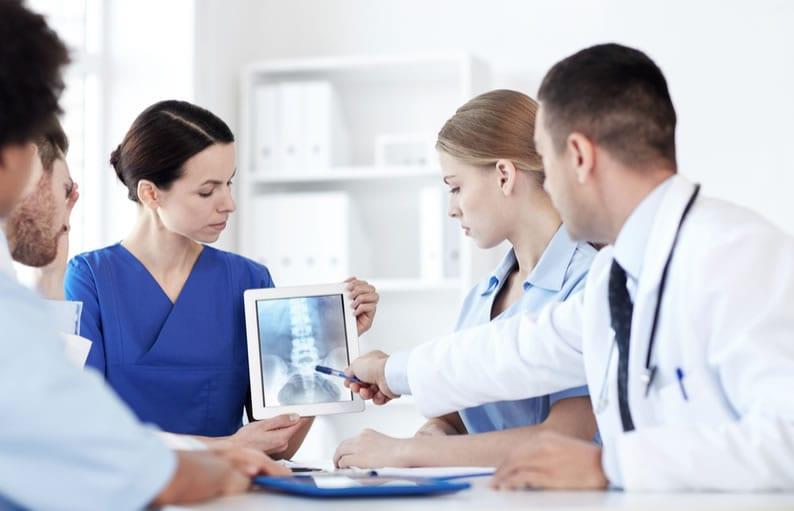 Quais são os benefícios de adotar a Telerradiologia na minha clínica?