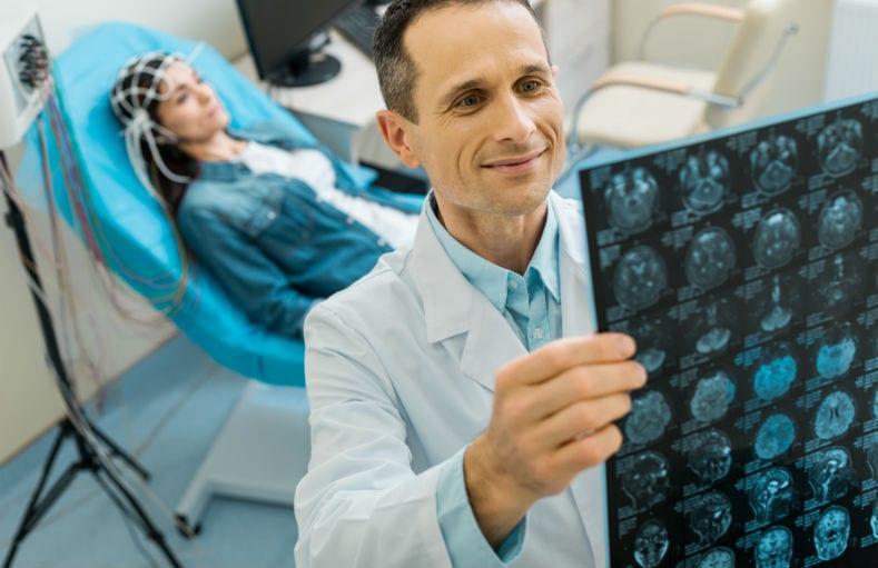 eletroencefalograma com mapeamento
