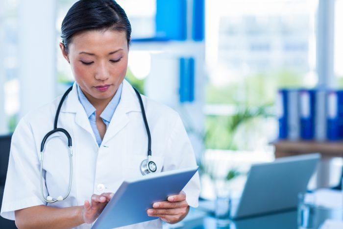 Conheça as diferenças entre receita médica digital e a tradicional, no papel