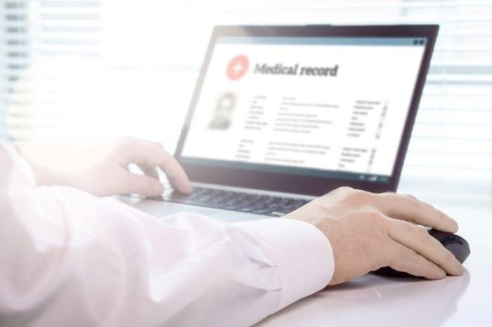 Como funciona o laudo de exames de pela internet?