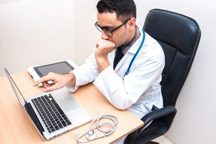 Uma das vantagens da telemedicina é a possibilidade de abrir seu consultório médico virtual