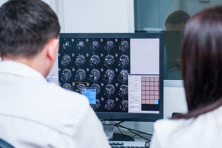 aparelho de tomografia para que serve