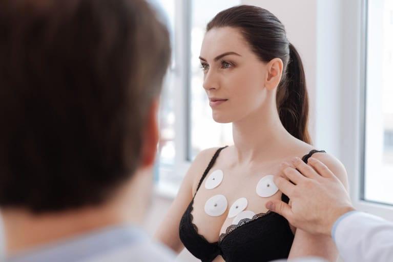 Indicação do exame de eletrocardiograma