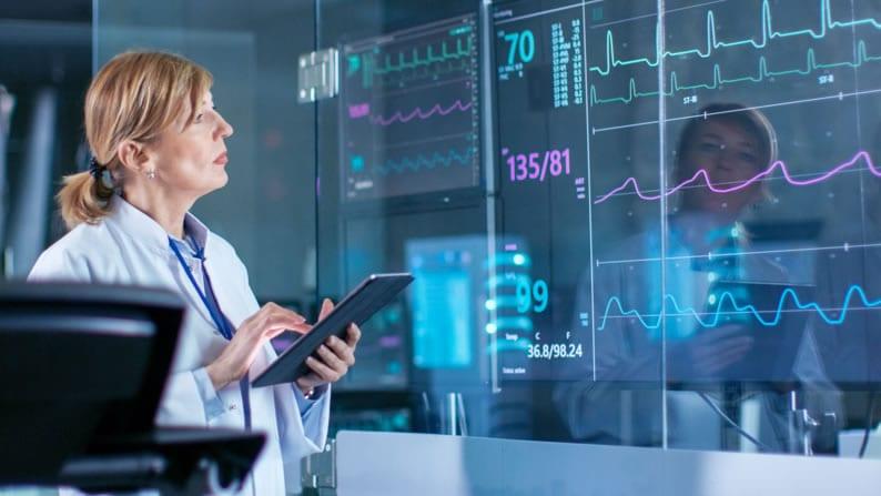 Para que serve a monitorização cardíaca e o ecg?