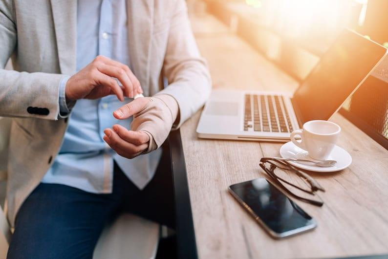 Exercício das profissões de saúde na internet