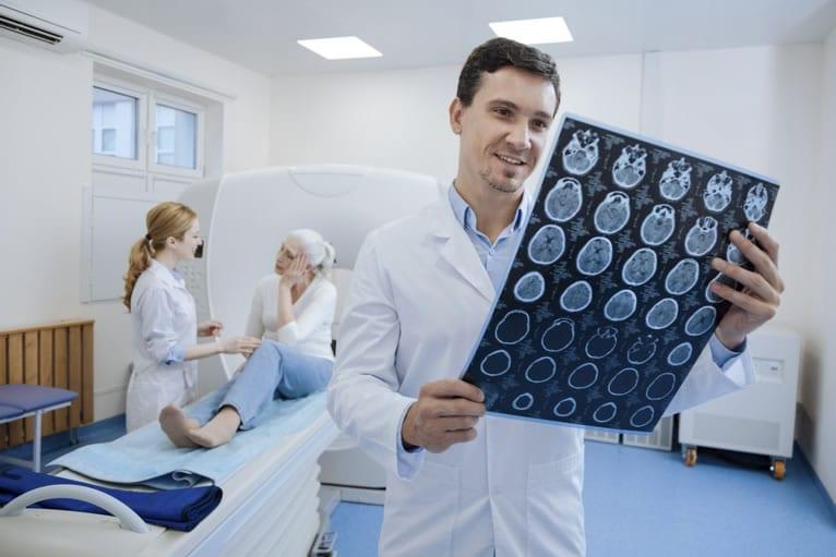 Como montar uma clínica radiológica: serviços, planejamento e normas