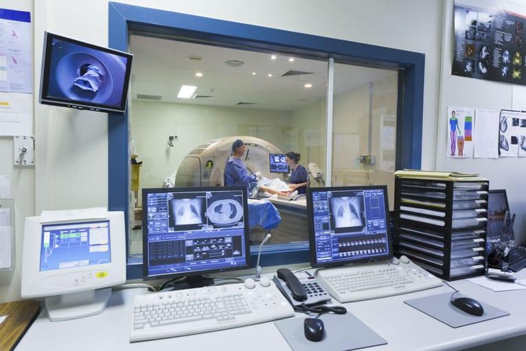 Como a ressonância magnética consegue gerar as imagens?