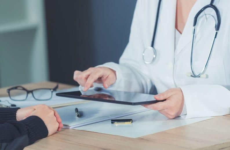 Quais exames complementares ocupacionais podem ser laudados via Telemedicina?