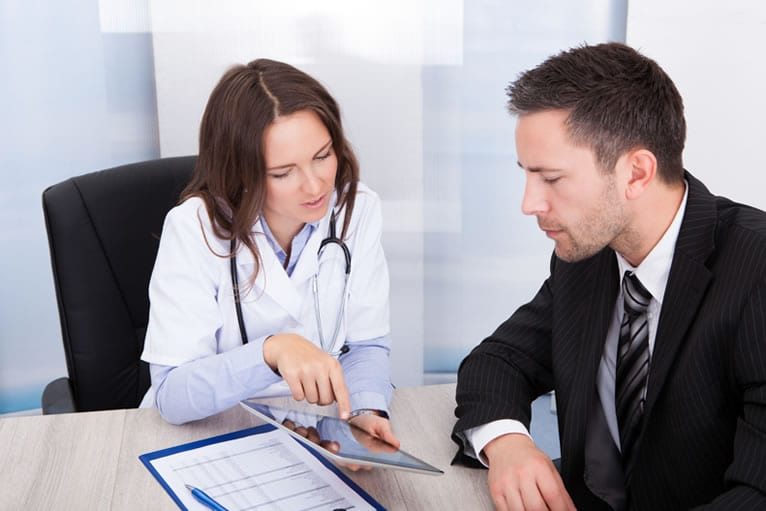 Passos fundamentais na gestão da economia para clínicas médicas
