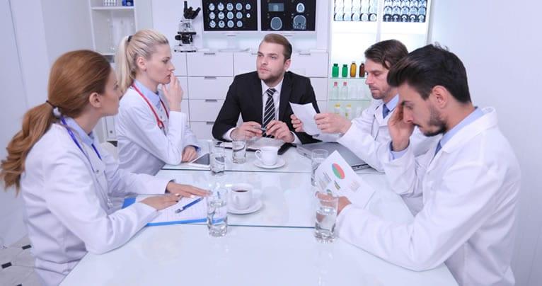 A importância da economia para clínicas médicas