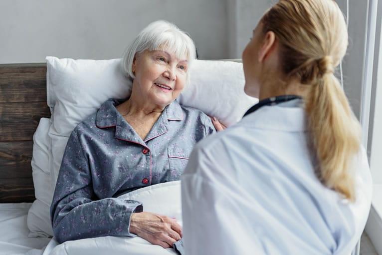 Como fidelizar o paciente durante a consulta - Ouça-o atentamente
