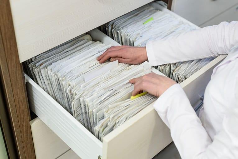 Quanto tempo fica arquivado prontuário de pacientes?