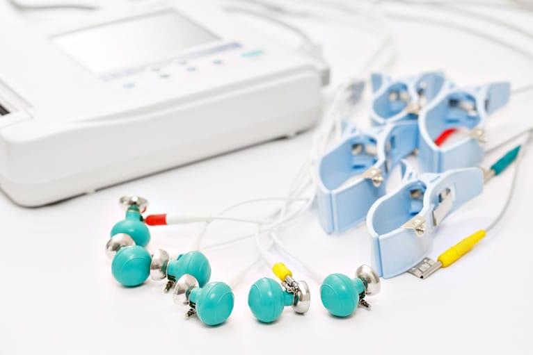O que é aparelho de ECG com laudo?