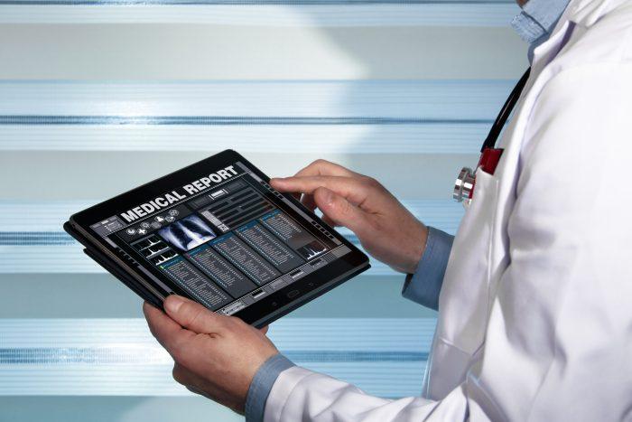 Uma das funcionalidades do prontuário eletrônico é estar integrado a uma plataforma de telemedicina