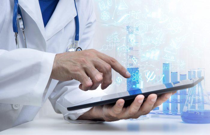 A LGPD traz mais segurança para o prontuário eletrônico do paciente.