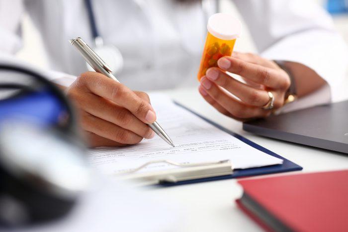 É importante estar atento a diversos detalhes, como dosagem e diluição do medicamento