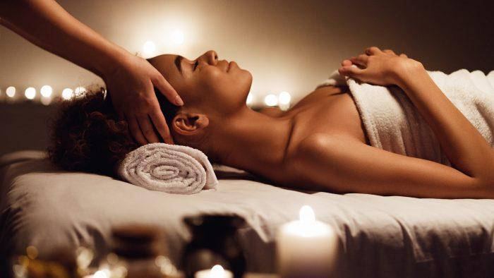 A massagem é uma das práticas utilizadas