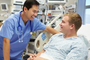 Conheça a importância e o impacto dos cuidados de enfermagem para pacientes