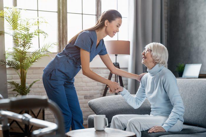 Nas duas modalidades existentes, um profissional especializado fará o auxílio do paciente.