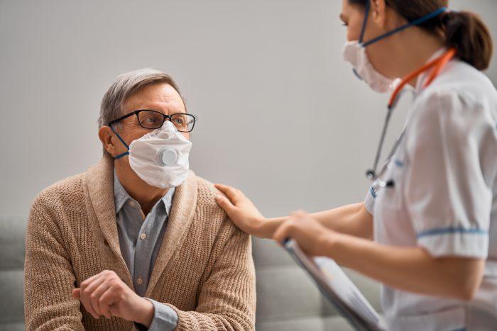 A pneumonia pode ser causada por diversos agentes