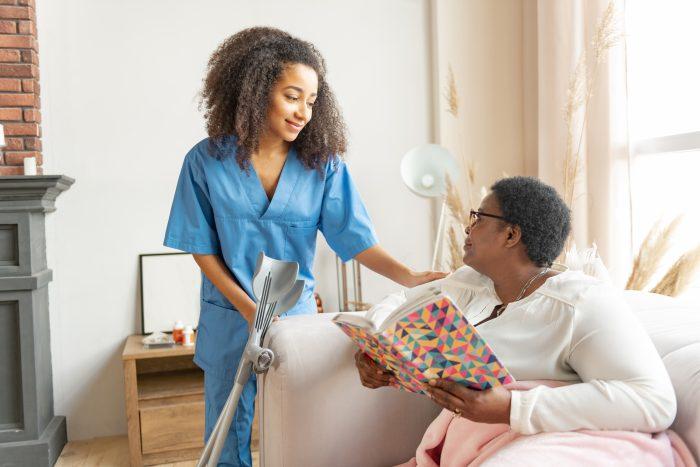 Conheça 7 cuidados para que a humanização na enfermagem seja garantida