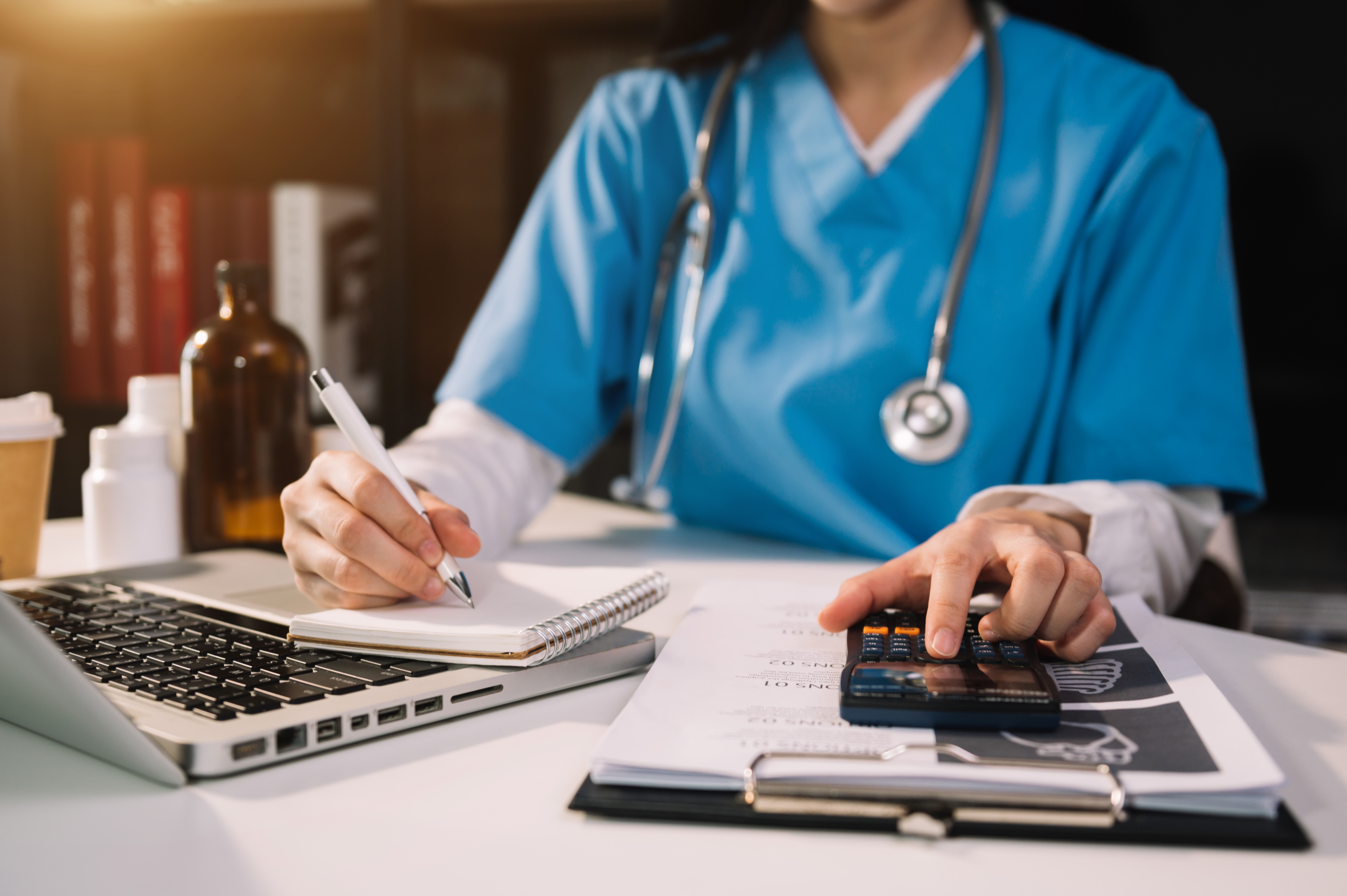 Afinal, como migrar o controle financeiro da sua clínica para o digital?