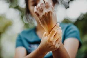 O que é reumatismo e quando é hora de procurar um médico?